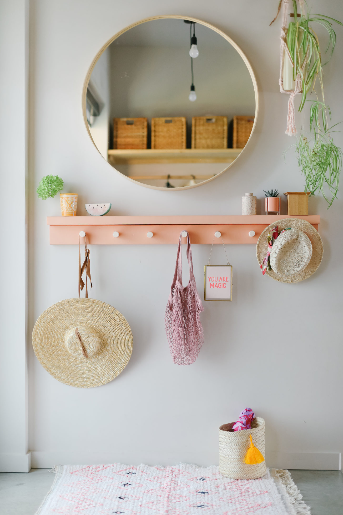 How to do an easy coat rack