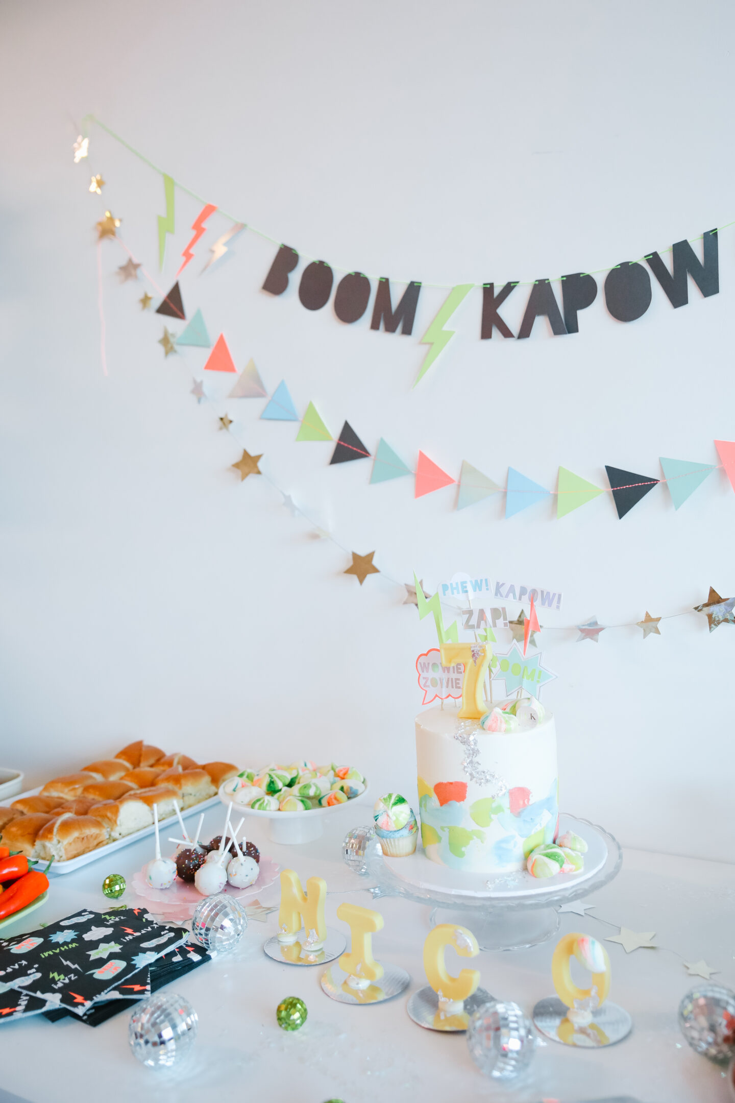 Science Birthday decor ideas