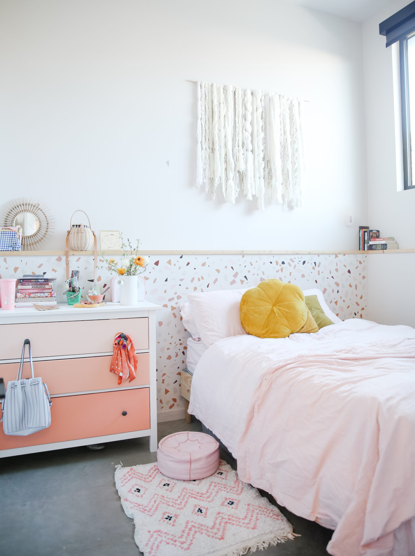 Bedroom makeover: Terrazzo wallpaper and DIY wall hanging