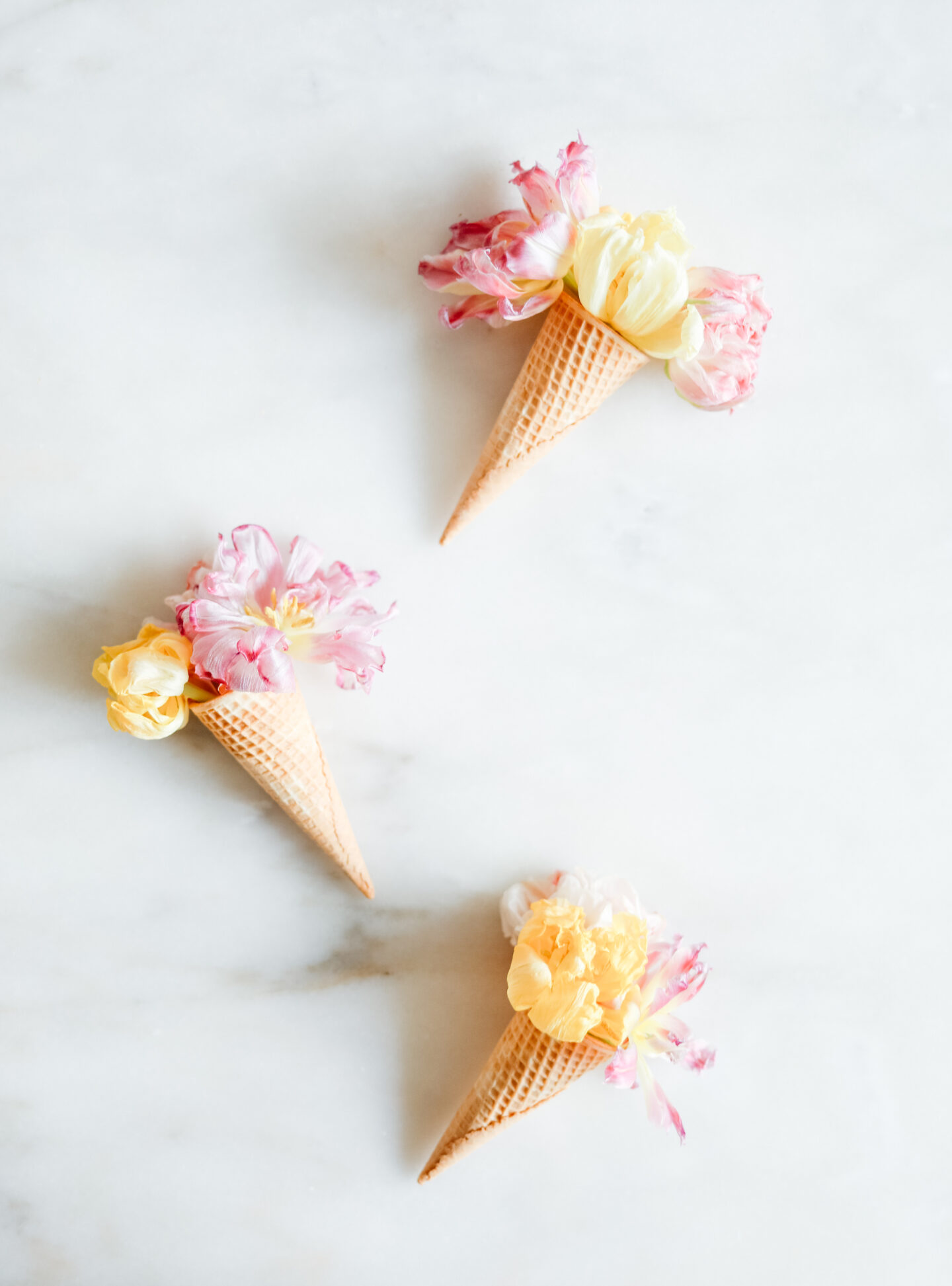 Ice cream flower cones idea