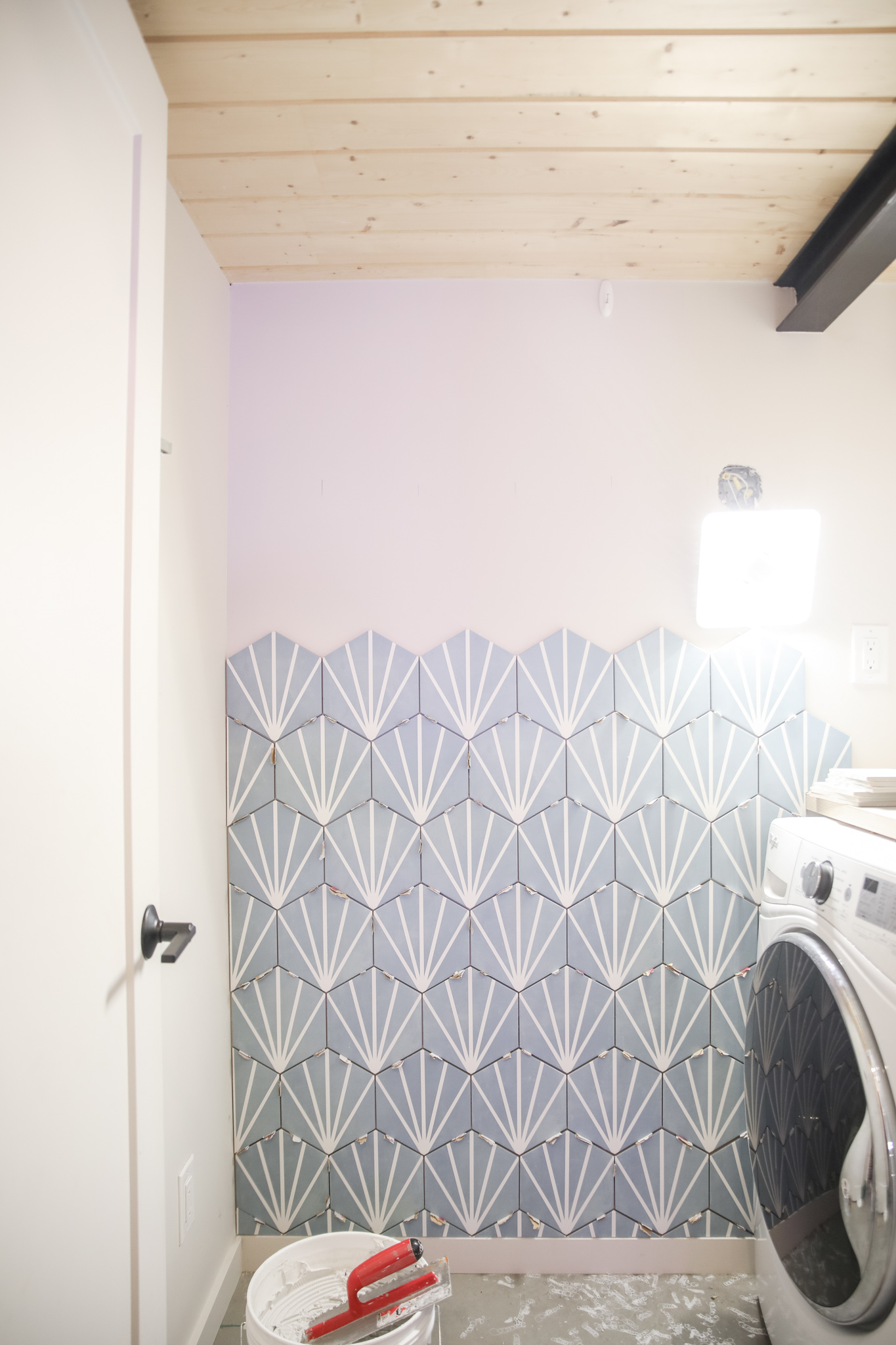 Tile Design in laundry room