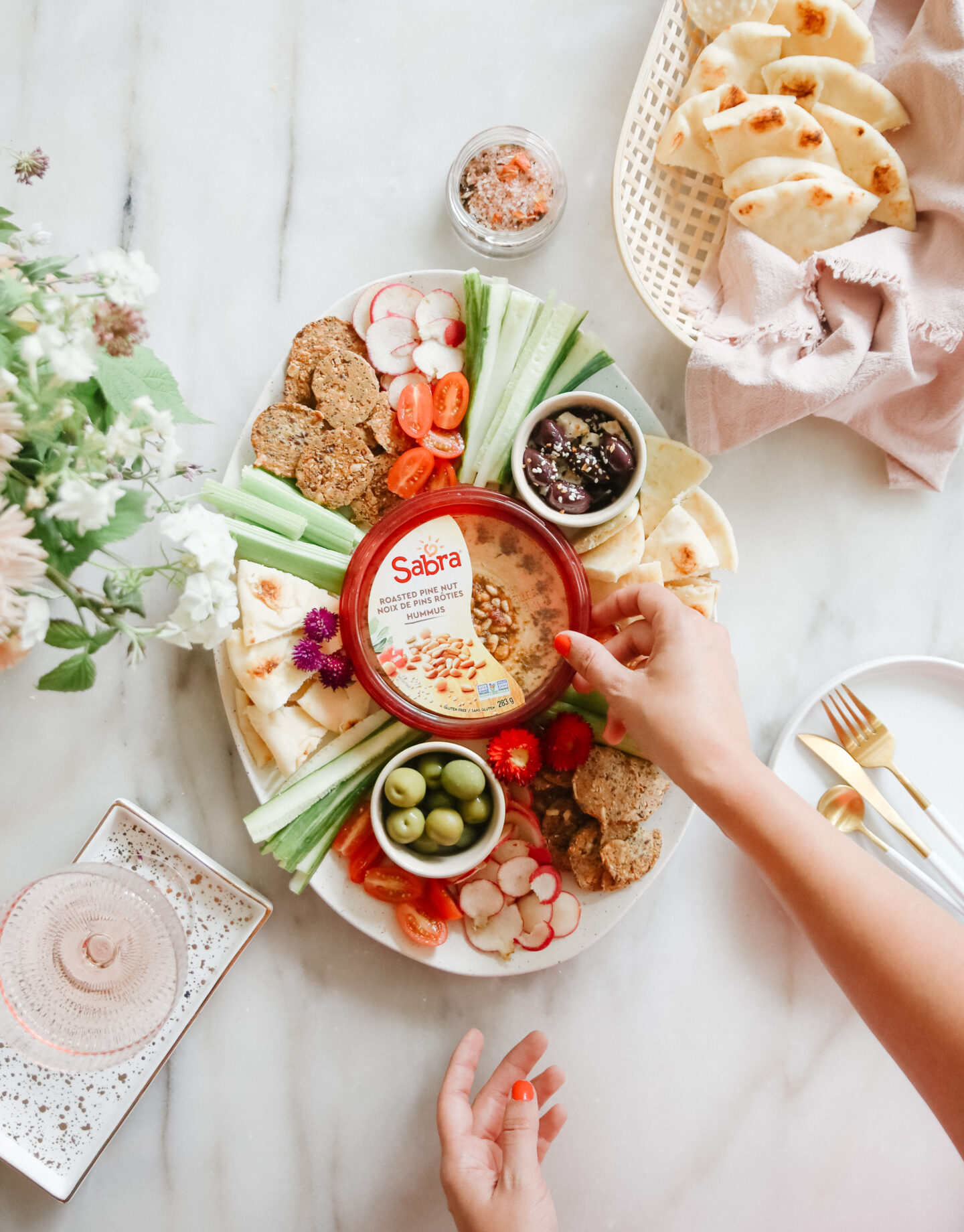 hummus platter ideas: easy recipe!
