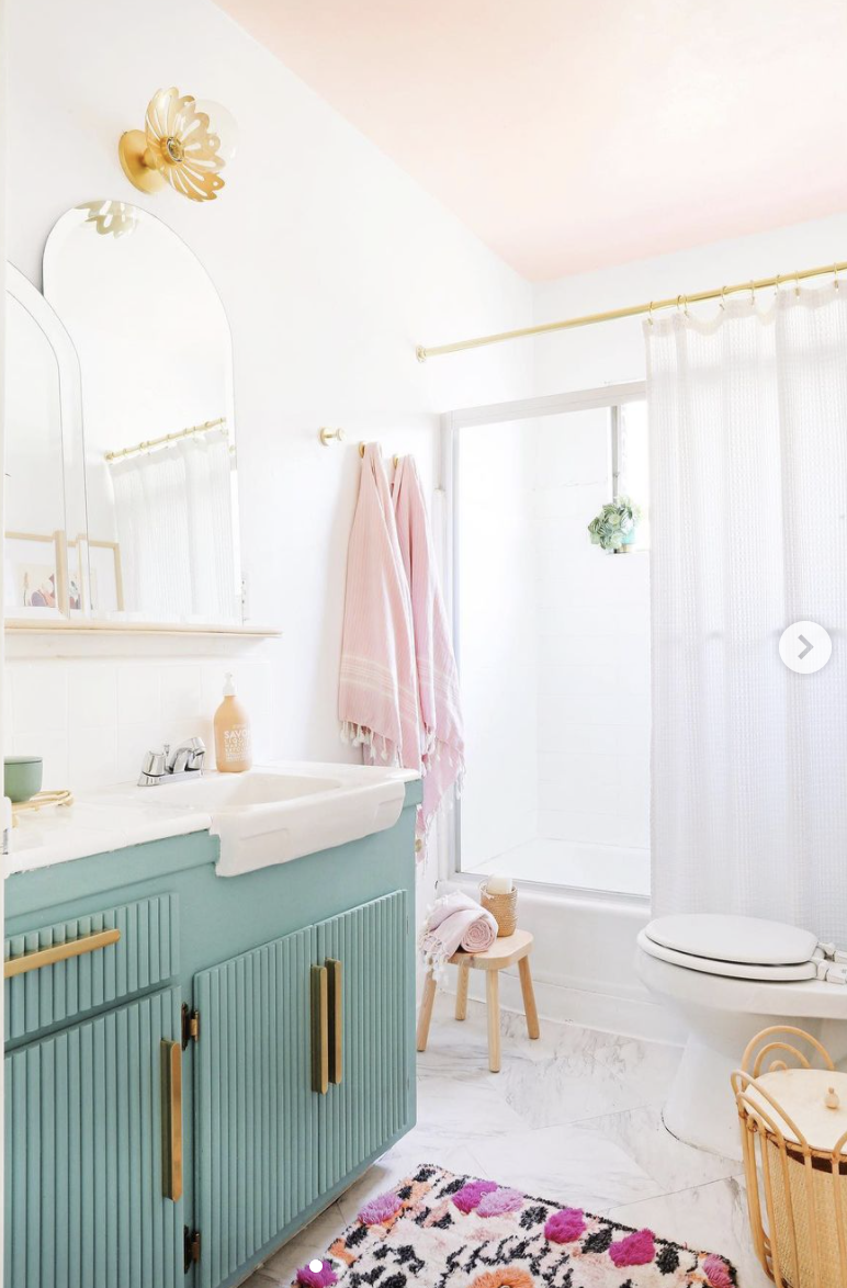Pastel bathroom decor ideas