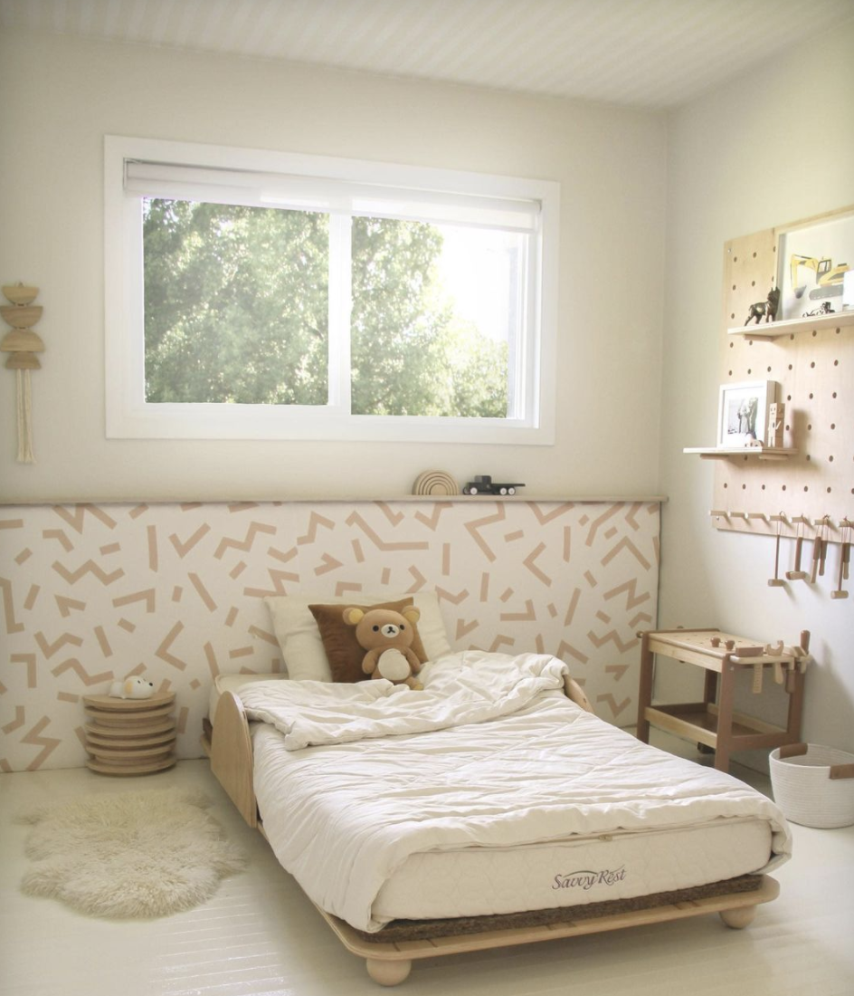 Kids bedroom in neutral colours