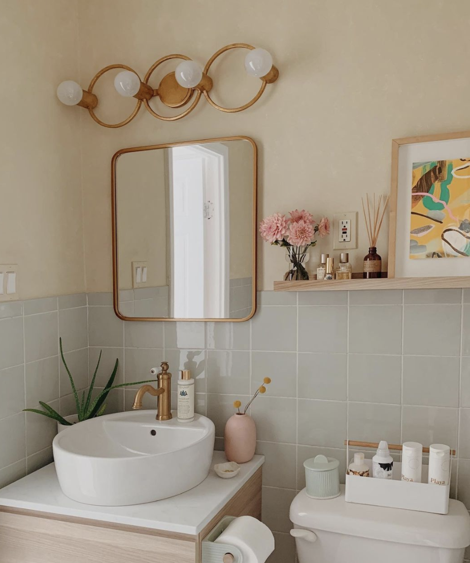 Pastel bathroom decor