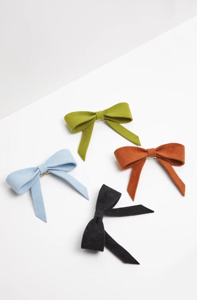 Colourful hair bows design