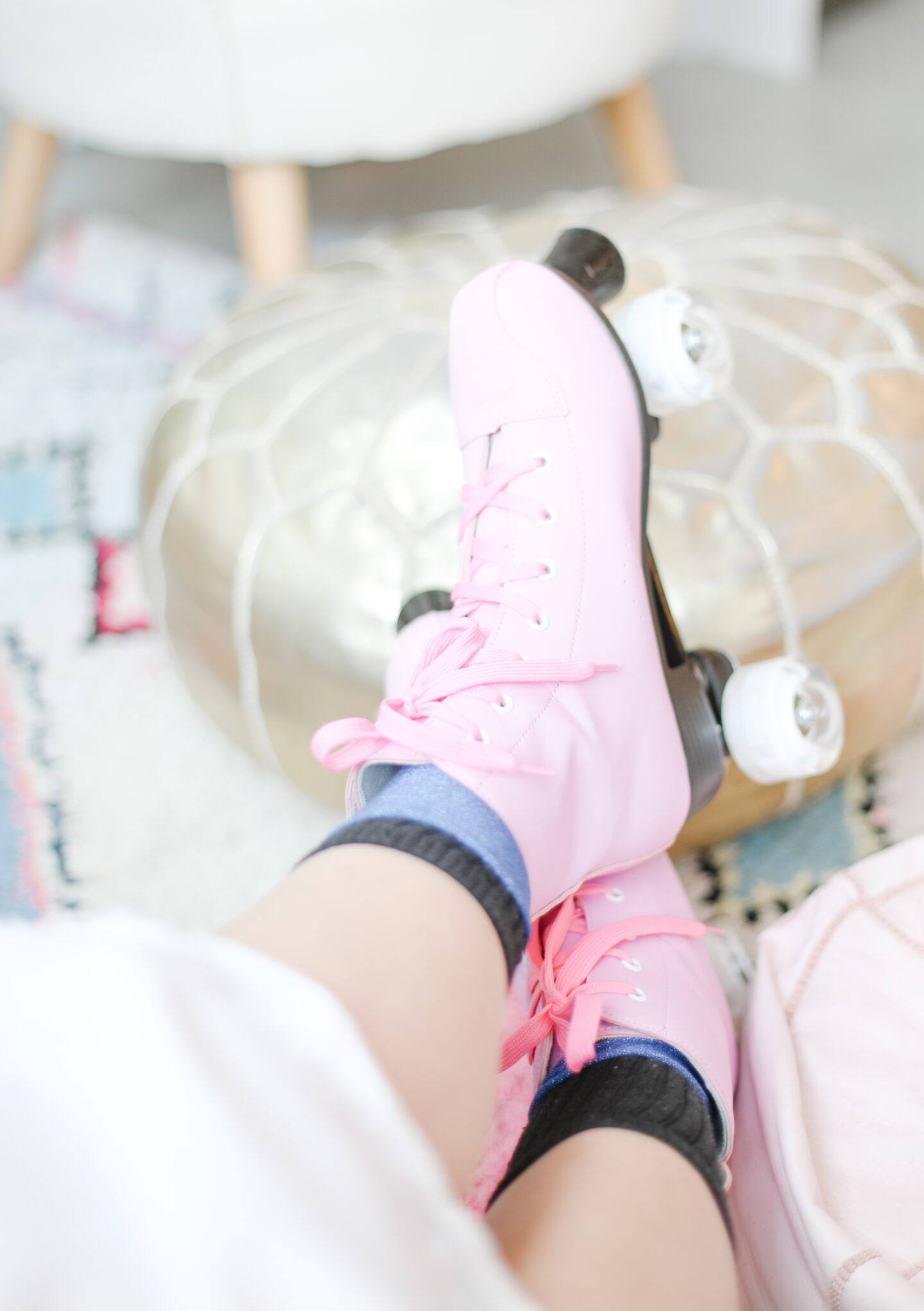 Roller skates in pink detail