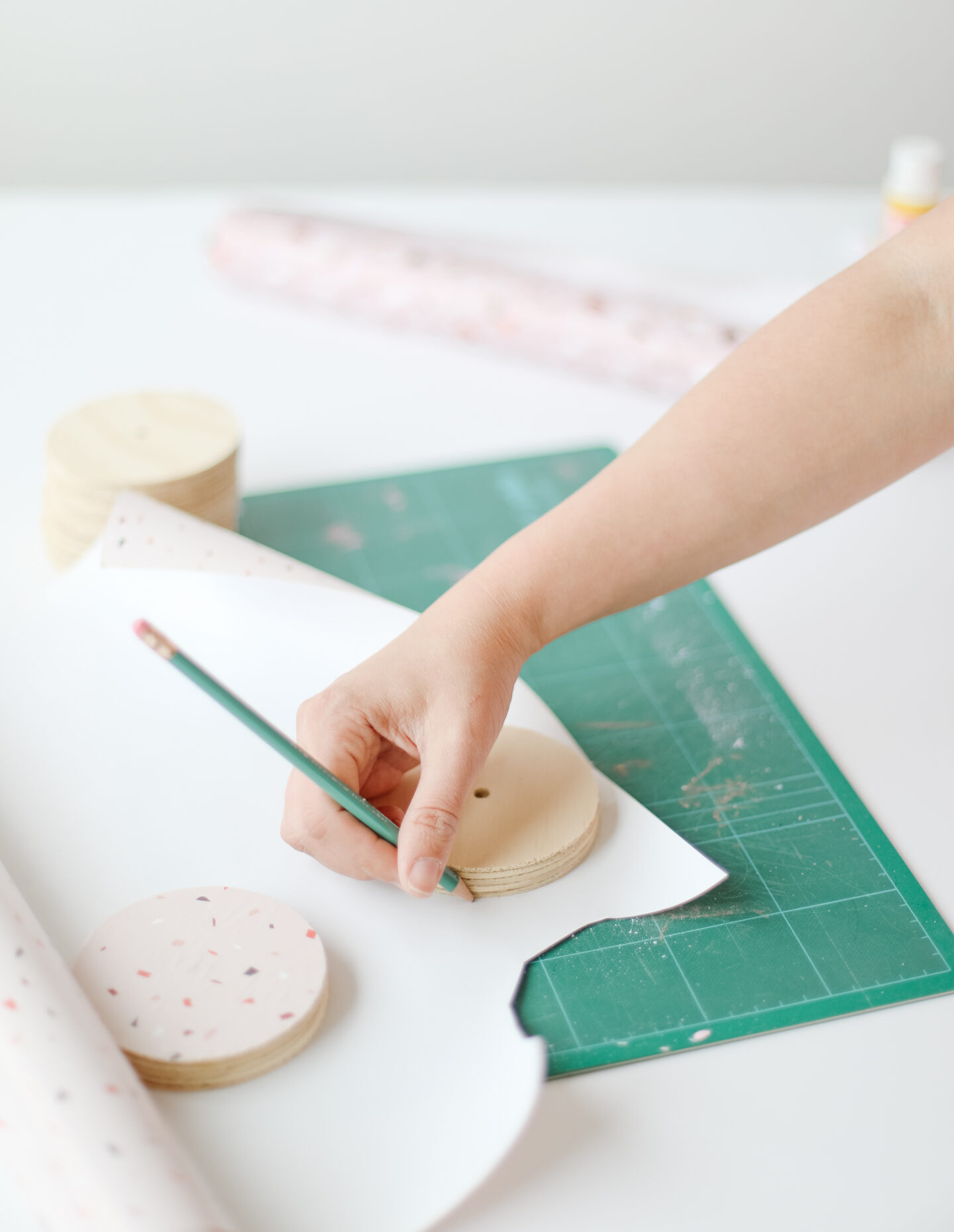 Terrazzo wrapping paper coasters DIY idea