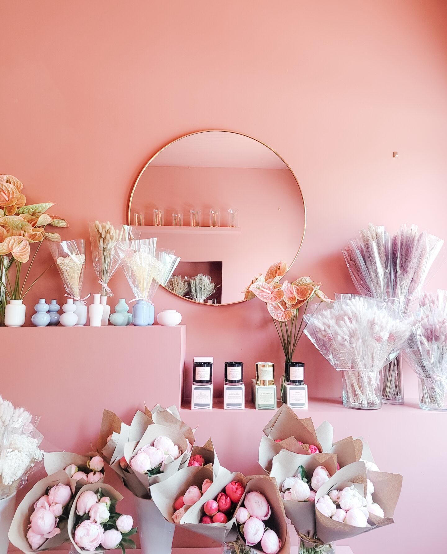 Pink flower shop design