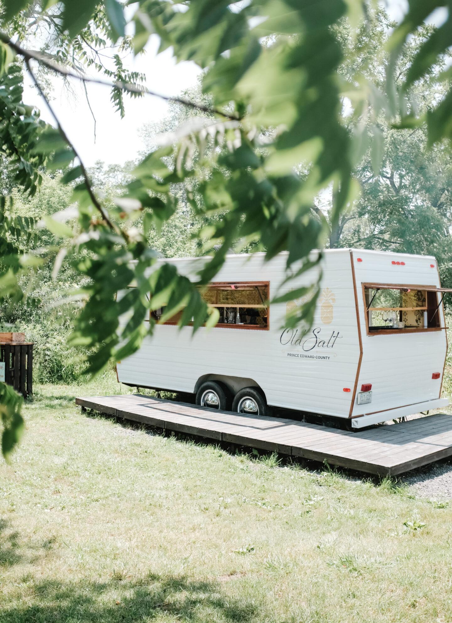 Cute cocktail car trailer design