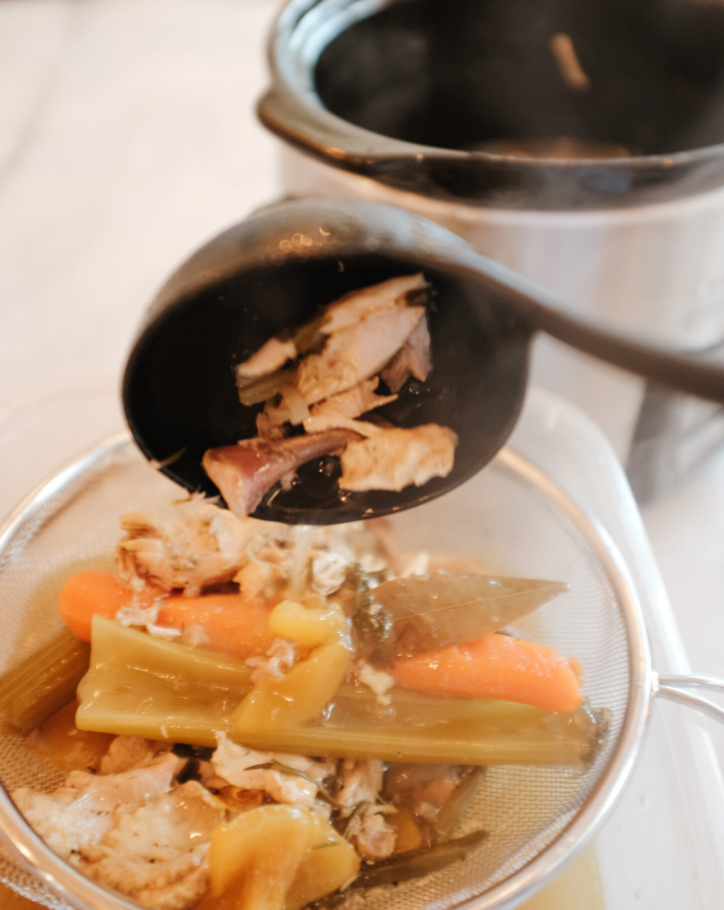 Chicken bone broth recipe with a crockpot
